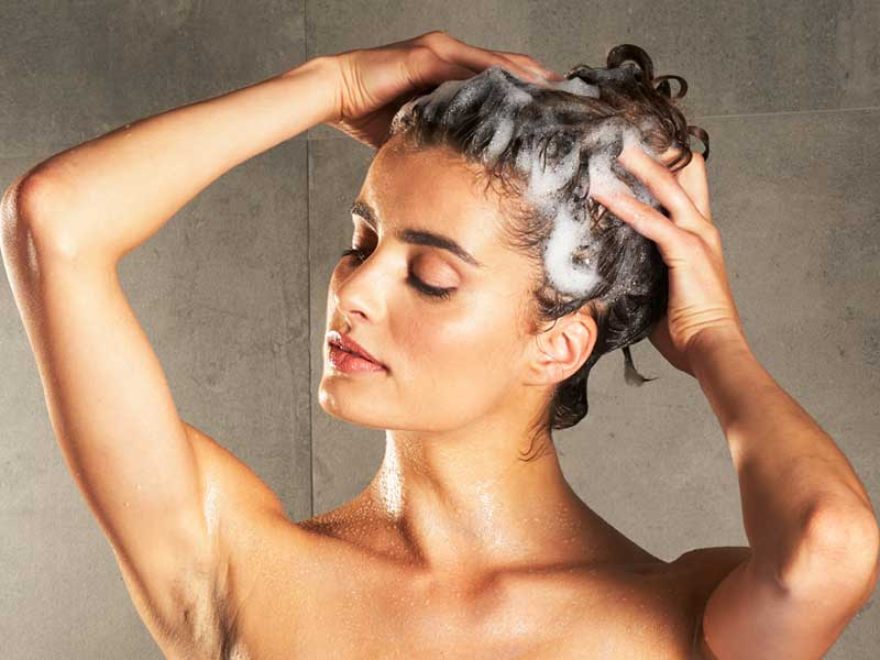"Can Dandruff Cause Hair Loss? Well... You Can Say ""Yes"" Or ""No"