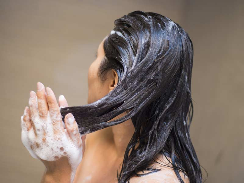 8 Daily Haircare Habits To Foster Hair Regrowth For Women