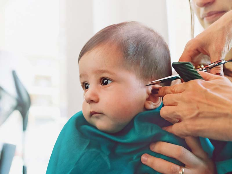 How Fast Does Baby Hair Grow: In Womb, Newborn, First Cut