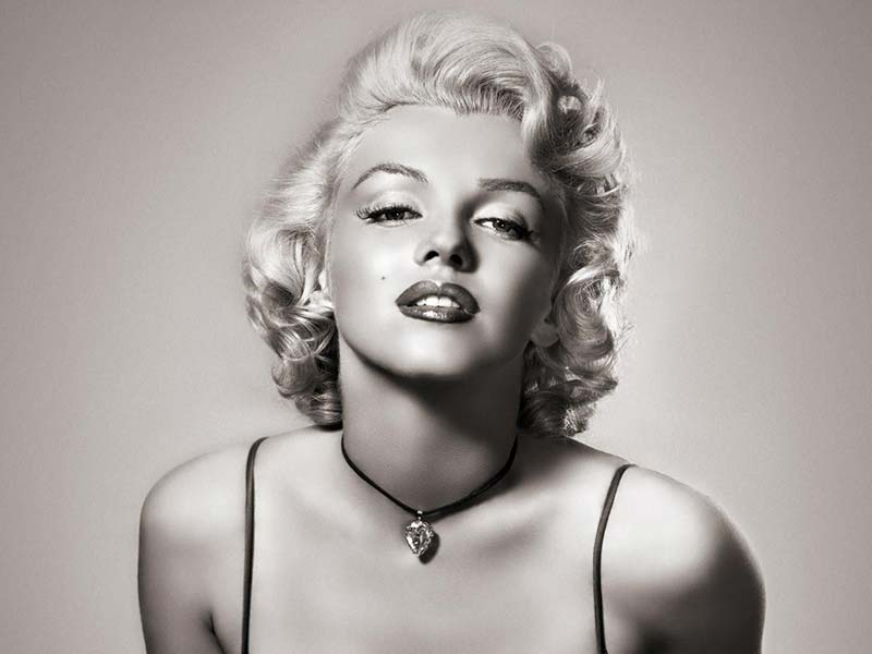 Marilyn Monroe No Makeup: Watch How She Turned From Naive To Hot