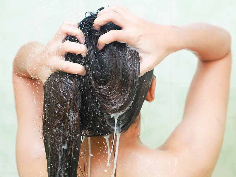 What Happens If You Dye Your Hair When It's Greasy?