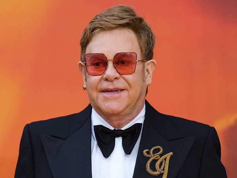 Elton John Toupee - It's No Longer A Rumor!